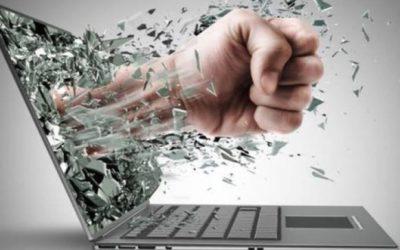 Cyberbullismo e conseguenze emotivo-psicologiche nelle vittime